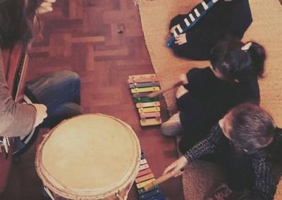 Escuela de Música y Artes El Árbol - clase de música infantil