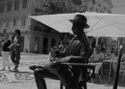 Fernando Pessoa en el Café A Brasileira / Claudia Sánchez Rod