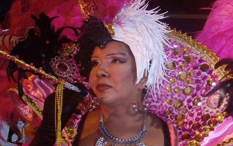 """El carnaval como celebración de la identidad: Mary Robles y la comparsa """"Los Caballeros de la Noche"""""""