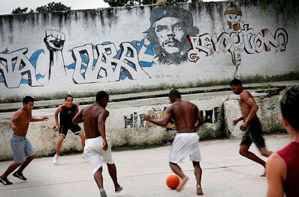 Ya lo dijo Niembro. Fútbol y revolución en Cuba